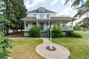 CHARMING HOME IN CLIVE - 4749 50 Street