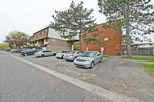 HUGE 4 BED TOWNHOUSE WITH BASEMENT APARTMENT.. CENTRAL LOCATION