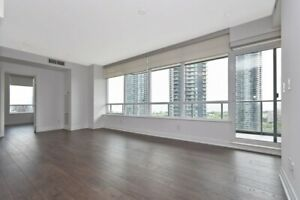 1000sqft LUXE Condo Living by the Lake, South Views High Floor