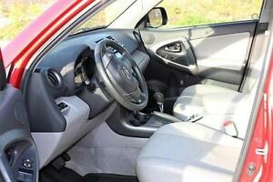 2010 Toyota RAV4 CUIR AWD (7 PASSAGERS) **Reconstruit**