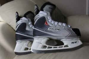 Bauer Vapor x:05 hockey ice skates youth size or 13 D or US 1 in