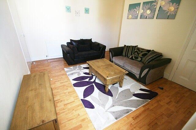 3 bedroom flat in Mundella Terrace, Heaton, Newcastle Upon Tyne, NE6