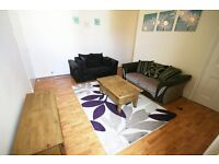 4 bedroom flat in Mundella Terrace, Heaton, Newcastle Upon Tyne, NE6