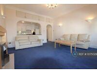 2 bedroom flat in Belsize Park Gardens, London, NW3 (2 bed) (#1075029)