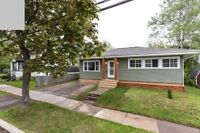 Charming and Updated Home @ 81 Jones St (Green House on Jones)