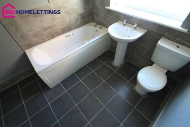 3 bedroom flat in Highmarket, Ashington, Northumberland, NE63