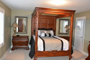 6 Piece Solid Wood Queen Size Bedroom Suite