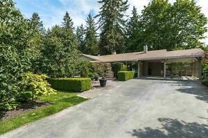 Gorgeous, completely reno'd 3 BR executive Home @ Harbour Place