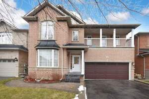 Detached House for Lease in Aurora