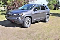 2020 Jeep Cherokee TRAILHAWK 4X4             8.4 INCH TOUCHSCREE