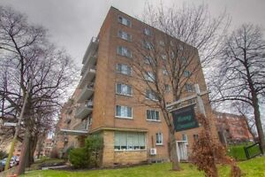 1 Bdrm available at 2500 Benny Crescent, Montreal
