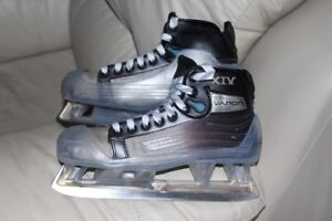 Ice Hockey Goalie skates Bauer Vapor XIV size 5 D or US 6Can be