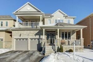 4 Bedroom House  Lease in Richmond Hill 5 Washrooms $3,200