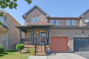 Spacious 3 Bedroom House In Brampton For Sale