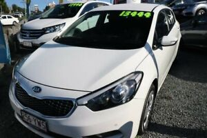 2015 Kia Cerato YD MY15 S White 6 Speed Sports Automatic Hatchback Ormiston Redland Area Preview