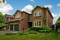 8 Rolling Acres Dr in Whitby