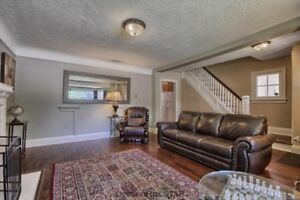 ★★ 8 BR Student House Steps from UWO (May 1, 2019)!! ★★