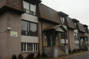 ALLISTON LARGE 2 BEDROOM APARTMENT