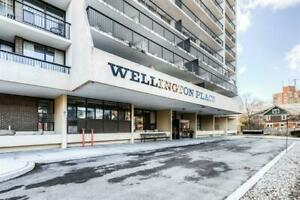 NEW LISTING!! Fantastic 3 Bed and 2 Full Bath condo in Kitchener