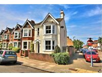 Bright Spacious Double Bedroom in Castle Road Area of Bedford