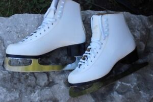 Jackson Novice Leather Ice Figure skates women's size 7 ½ Made i