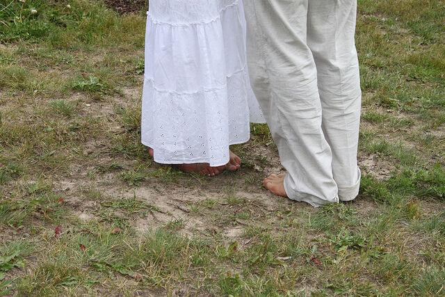 Schmerzende Füße? Bei einer Boho-Hochzeit garantiert nicht. (Bilder: Lauren Nelson & Donna Boley | CC BY 2.0)