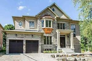 Dazzling 2-Storey House In Fine Location At Proctor Ave
