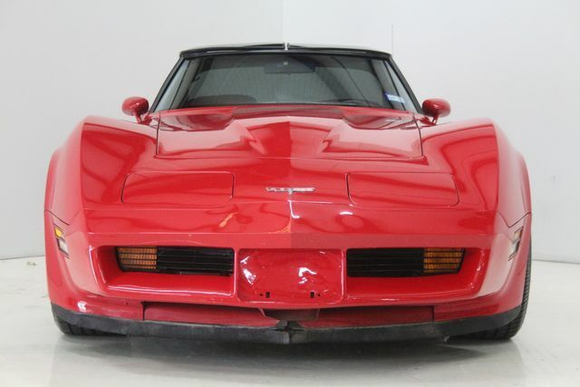 1980 Red Chevrolet Corvette   | C3 Corvette Photo 2