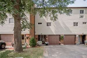 Incredible Townhouse In The Highly Sought After Neighbourhood