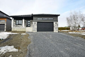 QUALITY BUILD 3 BED, 2 BATH BUNGALOW FOR SALE IN LIMOGES!