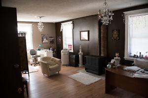 rental space in salon