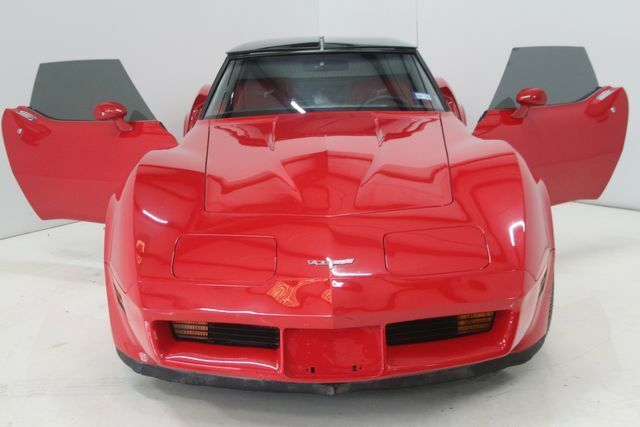 1980 Red Chevrolet Corvette   | C3 Corvette Photo 4