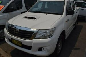 2015 Toyota Hilux KUN26R MY14 SR Double Cab White 5 Speed Automatic Utility Maitland Maitland Area Preview