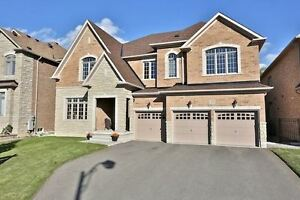 WOW - Executive home in Thornhill Valleys --- RAVINE & POND !!!!