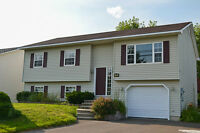 A large house in Lincoln, Fredericton for sale-moving sale