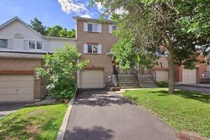 Newmarket - Backing on Conservation - 3 Bedroom Condo-Townhome