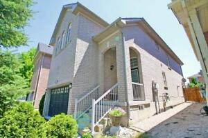 Dazzling House In The Heart Of Richmond Hill At Quetico Dr