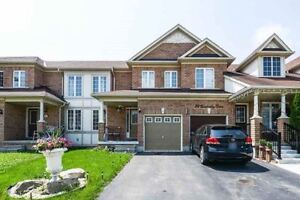 Freehold, Two Storey Townhouse, Feels Like Semi Awaits You!