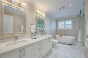 BEAUTIFULLY RENOVATED HOME IN OAKVILLE! SELLER MOTIVATED TO SELL