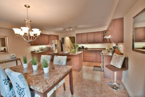 **Waterdown**OPENHOUSE* Freehold Townhouse Sunday May 27 2-4pm
