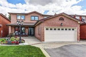 LUXURY HOUSE IN MAPLE - AVAILABLE FOR RENT