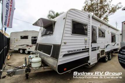 CU1087 Spaceland Deluxe Luxurious & Spacious Home On Wheels!!