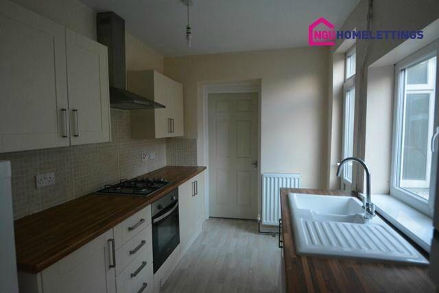 2 bedroom flat in Bensham Avenue, Bensham, Gateshead, NE8