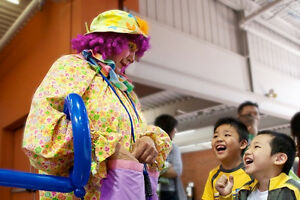 Candy The Clown, professional birthday party entertainer. Cambridge Kitchener Area image 3