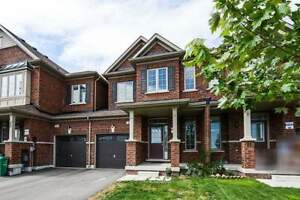 3 Years New And Open Concept 3 Bedroom Townhome