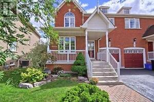 285 Marble Pl Newmarket Ontario House for sale!