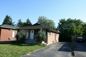 6 rooms students House available Sept. at 156 Weber N