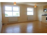 1-bedroom top floor apartment. No chain. Superb condition. 5 minute walk to East Croydon Station.