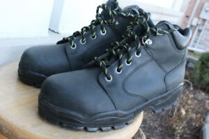 Terra Steel toe leather Safety boots / shoes size US 10 UK 9 EU