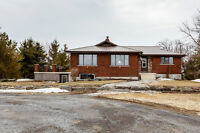 Wolfe Island. Beautifully Redone and Very Private